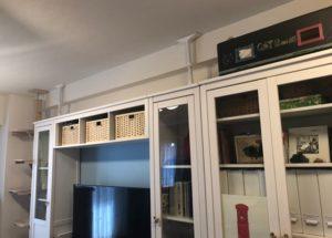 テレビと収納棚